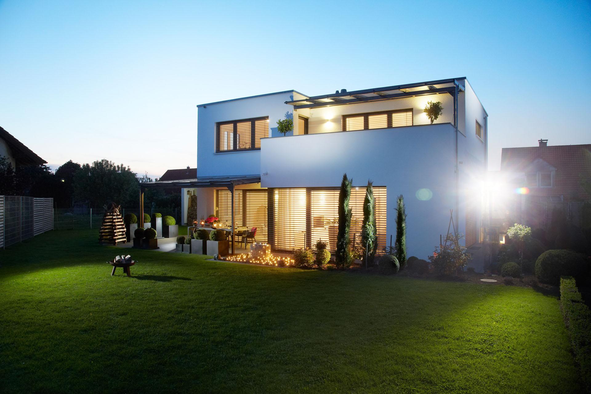 haus bauen architekt modernes haus. Black Bedroom Furniture Sets. Home Design Ideas